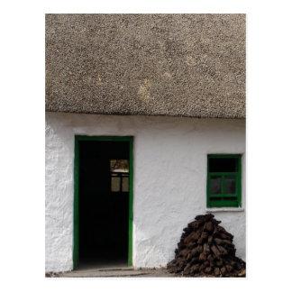 Cartão Postal Casa de campo irlandesa verde