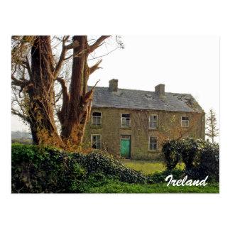Cartão Postal Casa irlandesa abandonada velha
