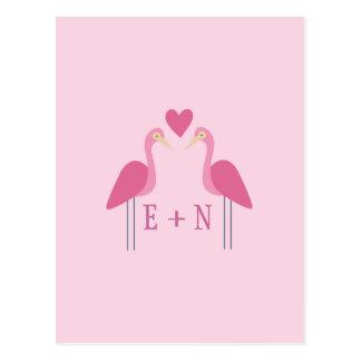 Cartão Postal Casal cor-de-rosa bonito do casamento do flamingo