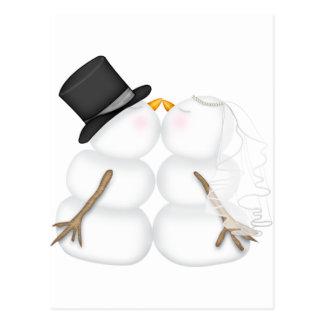 Cartão Postal Casal de beijo adorável do boneco de neve