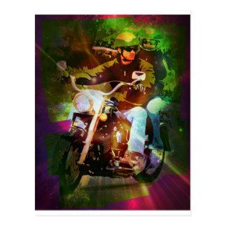 Cartão Postal Casal em uma motocicleta - verde