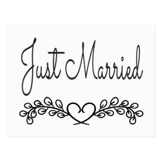 Cartão Postal Casamento preto e branco do louro do coração do