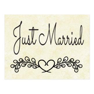 Cartão Postal Casamento rústico do louro do coração do preto do