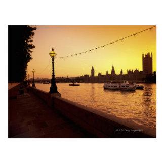 Cartão Postal Casas do parlamento no por do sol