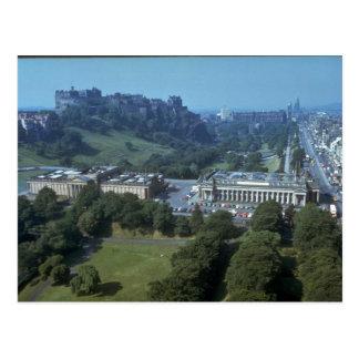 Cartão Postal Castelo na distância, Scotland de Edimburgo