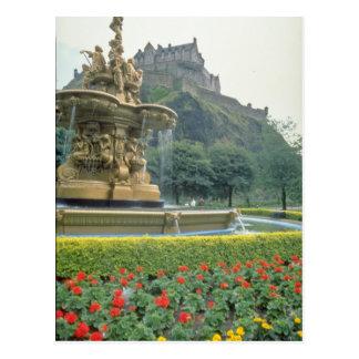 Cartão Postal Castelo vermelho de Edimburgo, flores de Scotland