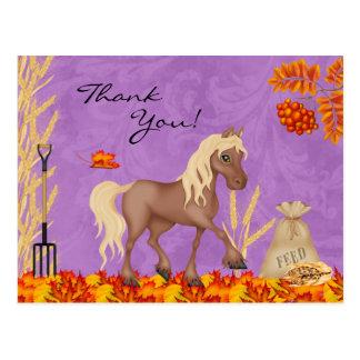 Cartão Postal Cavalo bonito no obrigado das folhas de outono