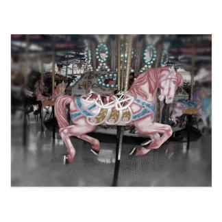 Cartão Postal Cavalo cor-de-rosa do carrossel