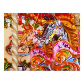 Cartão Postal Cavalos brilhantes do carrossel do divertimento
