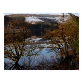 Cartão Postal Cena do inverno no reservatório de Derwent