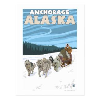 Cartão Postal Cena Sledding do cão - Anchorage, Alaska