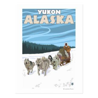 Cartão Postal Cena Sledding do cão - Yukon, Alaska