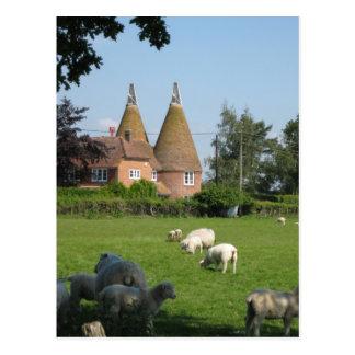 Cartão Postal Cenas inglesas, casas de Oast Kentish