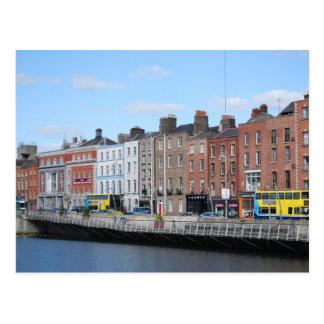Cartão Postal Centro de Dublin no Liffey