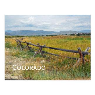 Cartão Postal cerca do registro por uma pradaria