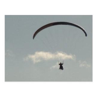 Cartão Postal Céu com Paraglider, liberdade, pára-pente