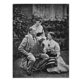 Cartão Postal Charles Dickens com as duas de suas filhas