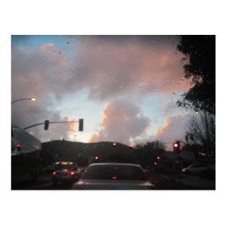 Cartão Postal Chuva Falliing no por do sol em San Luis Obispo,