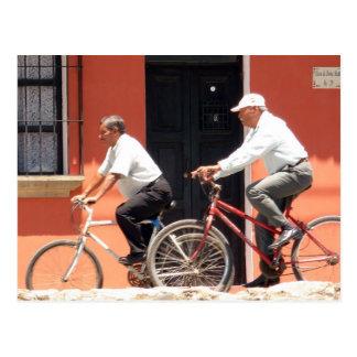 Cartão Postal Ciclistas Guatemala de Antígua