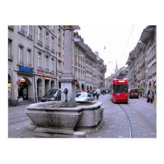 Cartão Postal Cidade velha de Berne - fonte e bonde