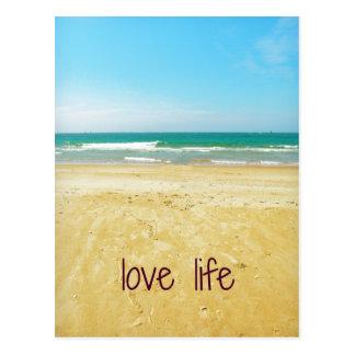 Cartão Postal Citações da vida do amor com cena da praia