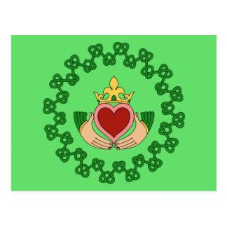 Cartão Postal Claddagh e Knotwork verde