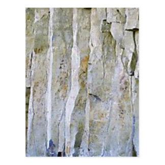 Cartão Postal Coluna branca estreita da rocha