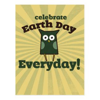 Cartão Postal Comemore a coruja diária do Dia da Terra