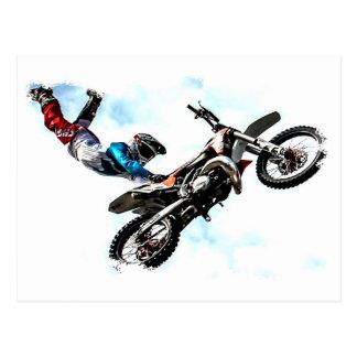 Cartão Postal competência acrobática do esporte do motociclista