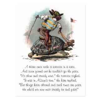 Cartão Postal Competindo a tartaruga da equitação do coelho