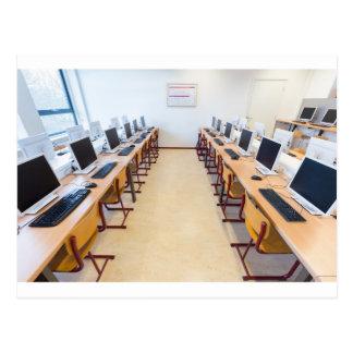 Cartão Postal Computadores na sala de aula da educação holandesa