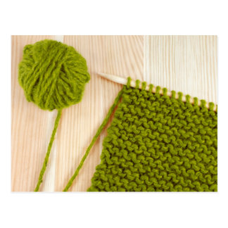 Cartão Postal Confecção de malhas com lãs verdes