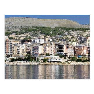 Cartão Postal Construção na cidade de Sarande em Albânia