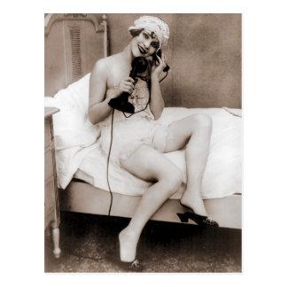 Cartão Postal Conversa tardio no telefone antes da cama