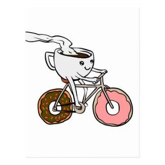 Cartão Postal Copo que monta uma bicicleta com rodas da
