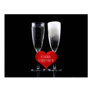 Cartão Postal Coração feliz do vermelho dos vidros de flauta de