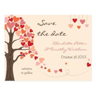 Cartão Postal Corações da árvore de amor que Wedding economias a