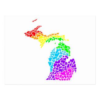 Cartão Postal corações do arco-íris do orgulho de michigan
