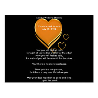 Cartão Postal Corações do ouro da bênção do casamento de Apache