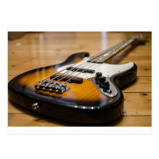 Cartão Postal Cordas baixas baixas do instrumento da guitarra