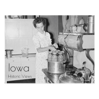 Cartão Postal Cozinhar da mulher da fazenda