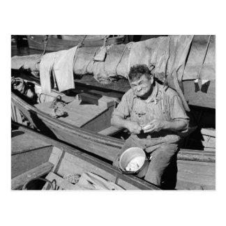 Cartão Postal Cozinheiro do barco de pesca - Natal 1938