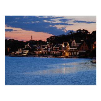 Cartão Postal Crepúsculo da fileira do Boathouse
