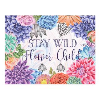 Cartão Postal Criança de flor selvagem da estada - Boho floral