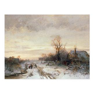 Cartão Postal Crianças que jogam em uma paisagem do inverno