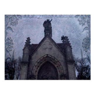 Cartão Postal Cripta gótico bonita do cemitério