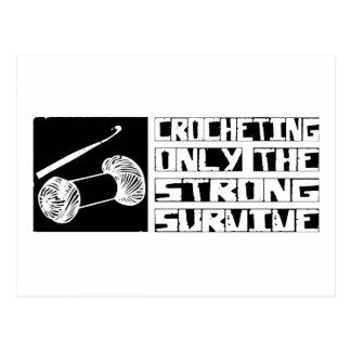 Cartão Postal Crocheting sobrevive