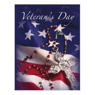Cartão Postal Cruz e bandeira do dia de veterano