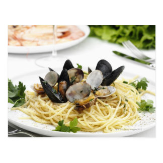 Cartão Postal Culinária italiana. Alle vongole. dos espaguetes