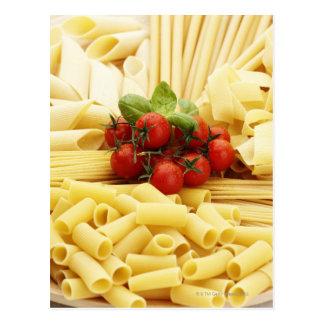 Cartão Postal Culinária italiana. Massa e tomates